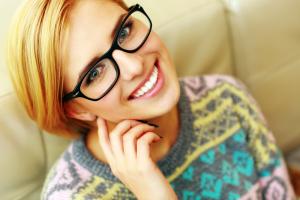smileglassessweater